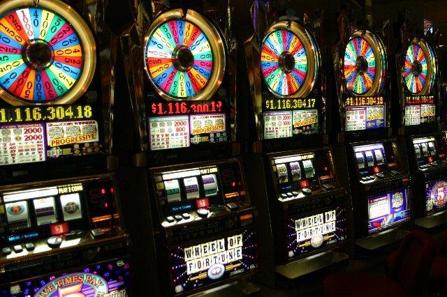 Игровые машины на деньги онлайн: способ расслабиться и заработать