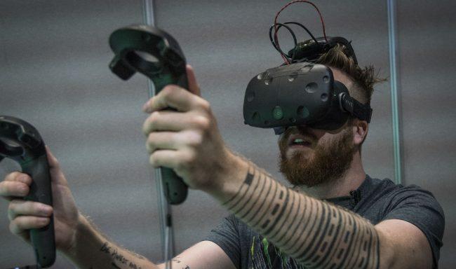 HTC продемонстрировала беспроводную версию VR-гарнитуры Vive