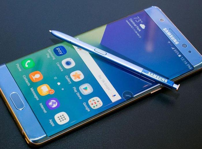 Samsung начала продажи смартфона Galaxy Note FE: первая распаковка и особенности комплектации [видео]