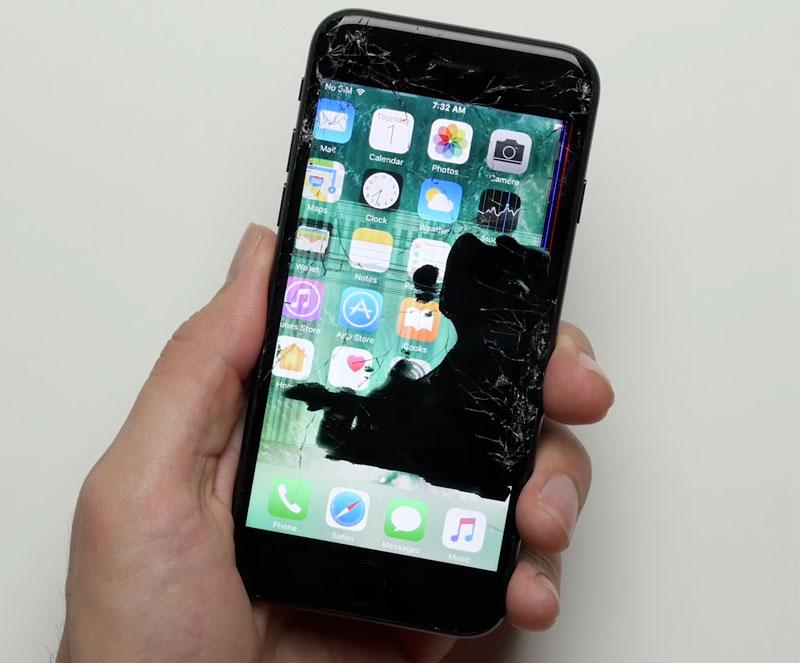 iPhone 7 Plus против Samsung Galaxy S8: профессиональный тест на прочность [видео]
