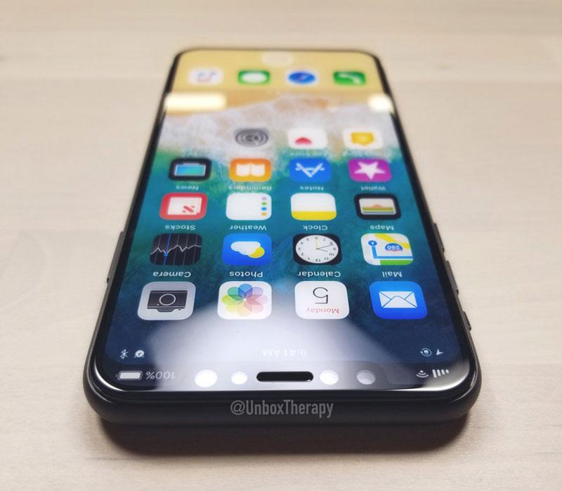 «Все самые значимые функции и технологии в истории iPhone мир увидит в этом году»