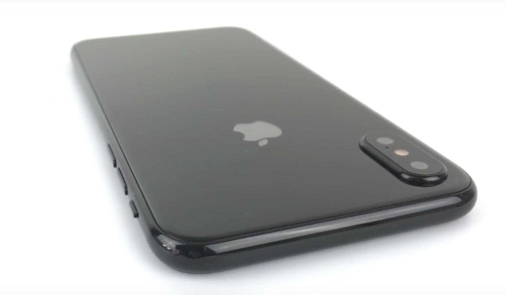 Apple лучше отложить релиз iPhone 8 или лишить его некоторых функций? [опрос]