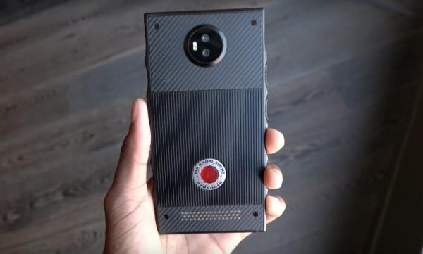 RED показала прототип своего смартфона за 1200 долларов