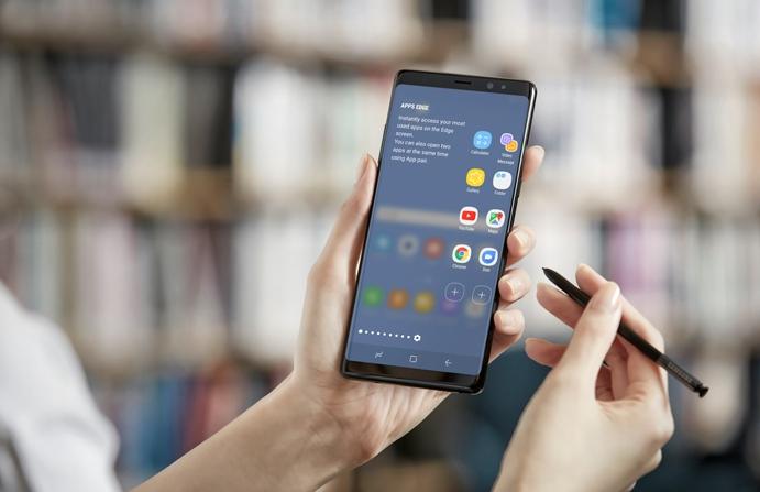 «Немного скучный»: цитаты из первых обзоров Galaxy Note 8