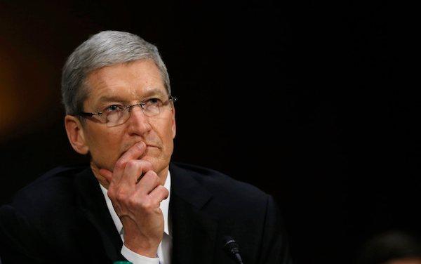 Как Apple заставляет нас покупать одинаковые айфоны?