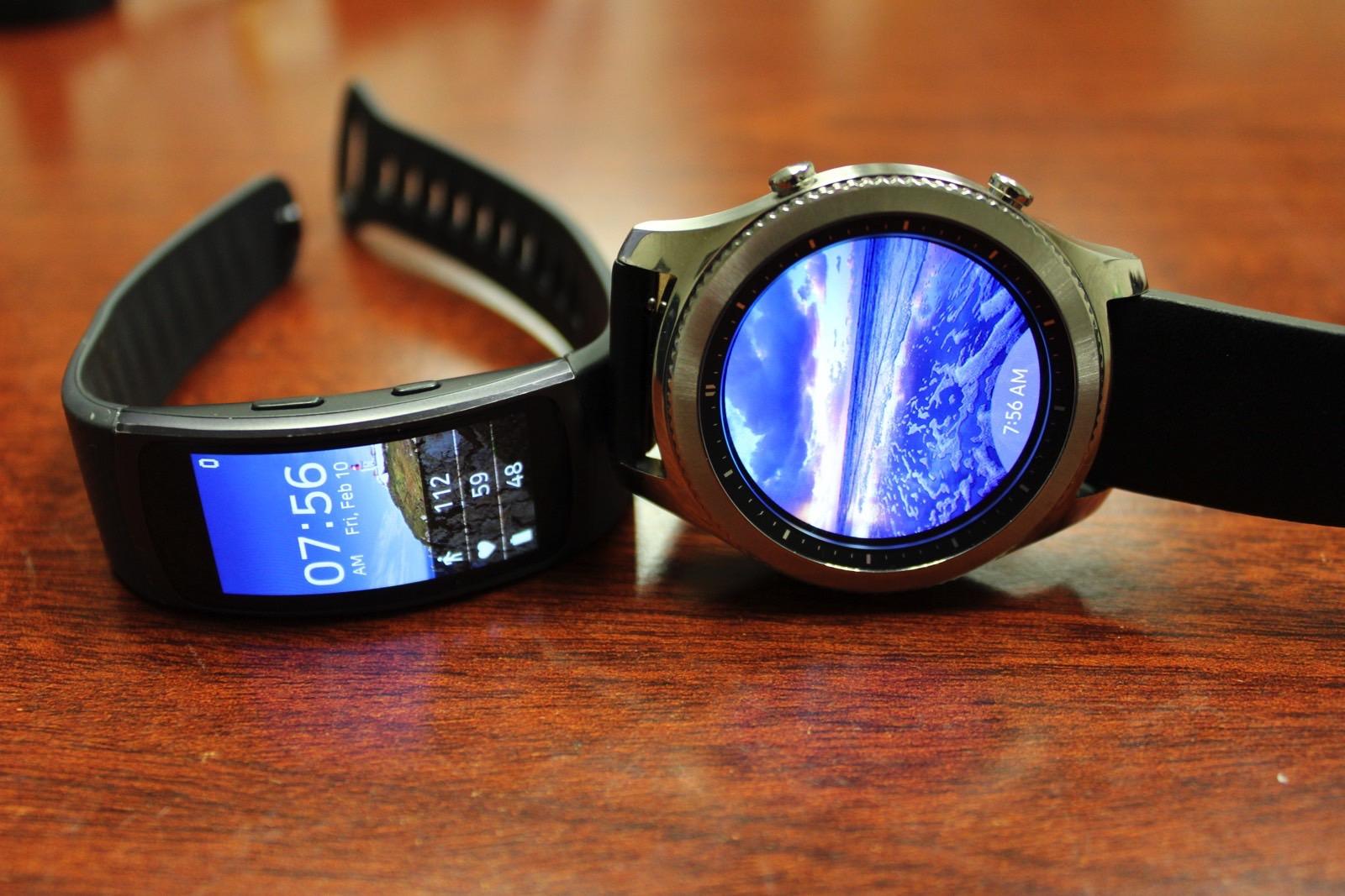 Samsung разрабатывает гибрид смарт-часов и фитнес-трекера
