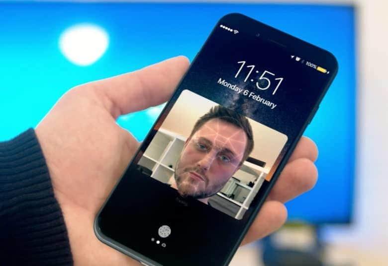 Сканер лица в iPhone 8: очень быстрый и работает в темноте