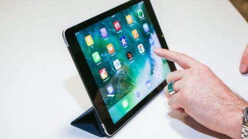 Продажи планшетов iPad выросли впервые с 2014 года
