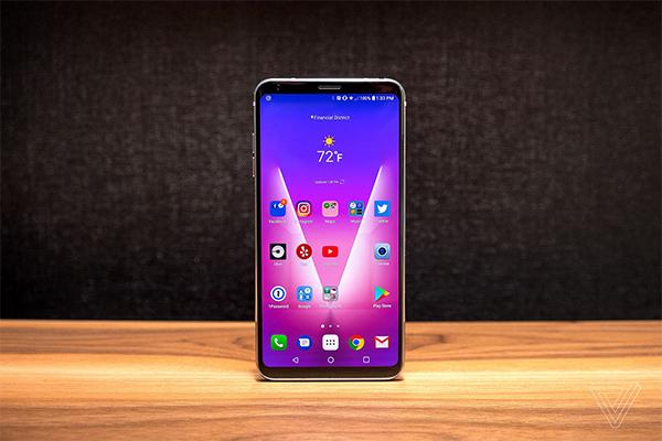 LG представила смартфон V30 на IFA 2017