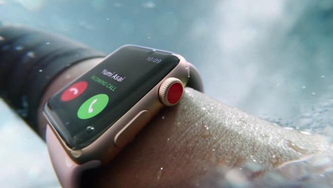 Первый взгляд на Apple Watch Series 3 — видео
