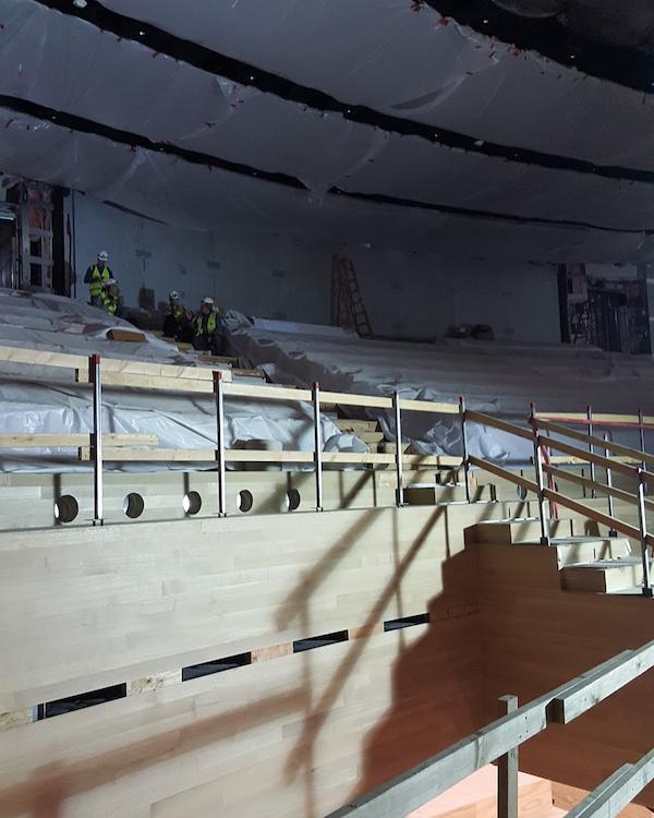 Фото: как выглядит «Театр Стива Джобса» изнутри?