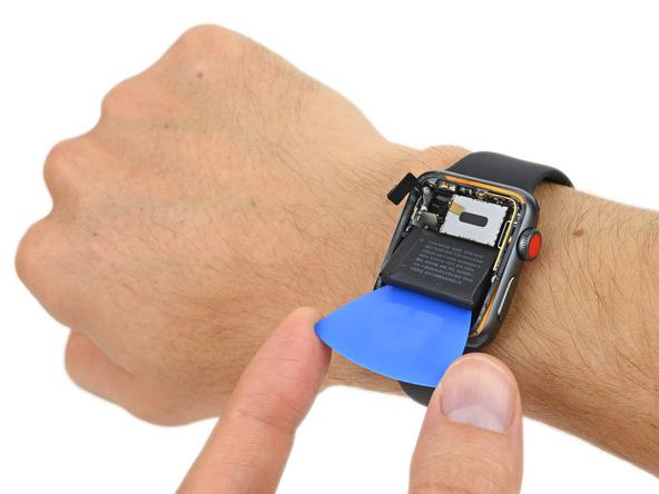 iFixit: Apple Watch были готовы к появлению LTE еще год назад