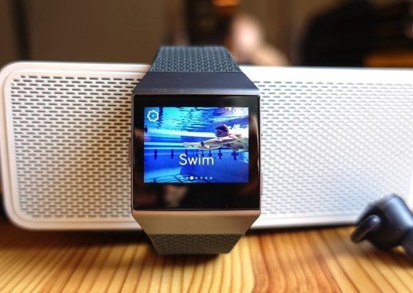 Смарт-часы Fitbit выйдут первого октября