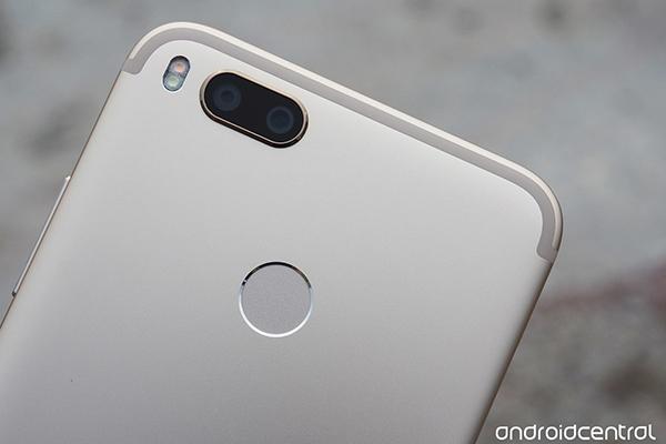Xiaomi представила первый смартфон на Android One — Mi A1