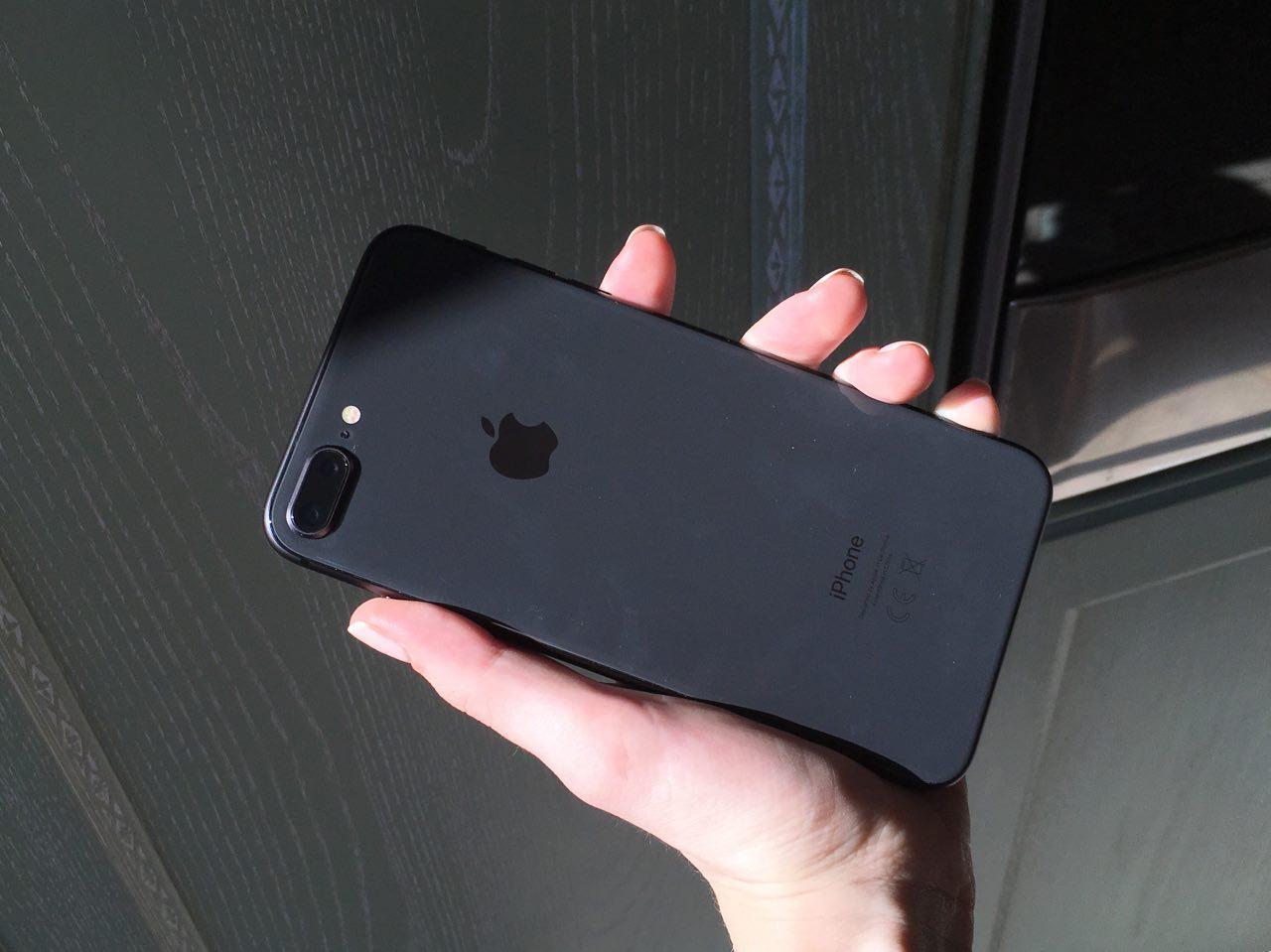 iPhone X задерживается, «восьмерки» официально в России — истории недели на MacDigger