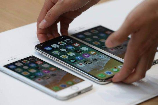 Выход iPhone X может задержаться до марта и поправить продажи iPhone 8