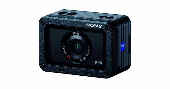 Камера Sony RX0 подходит для съёмки в помещении и в диких условиях