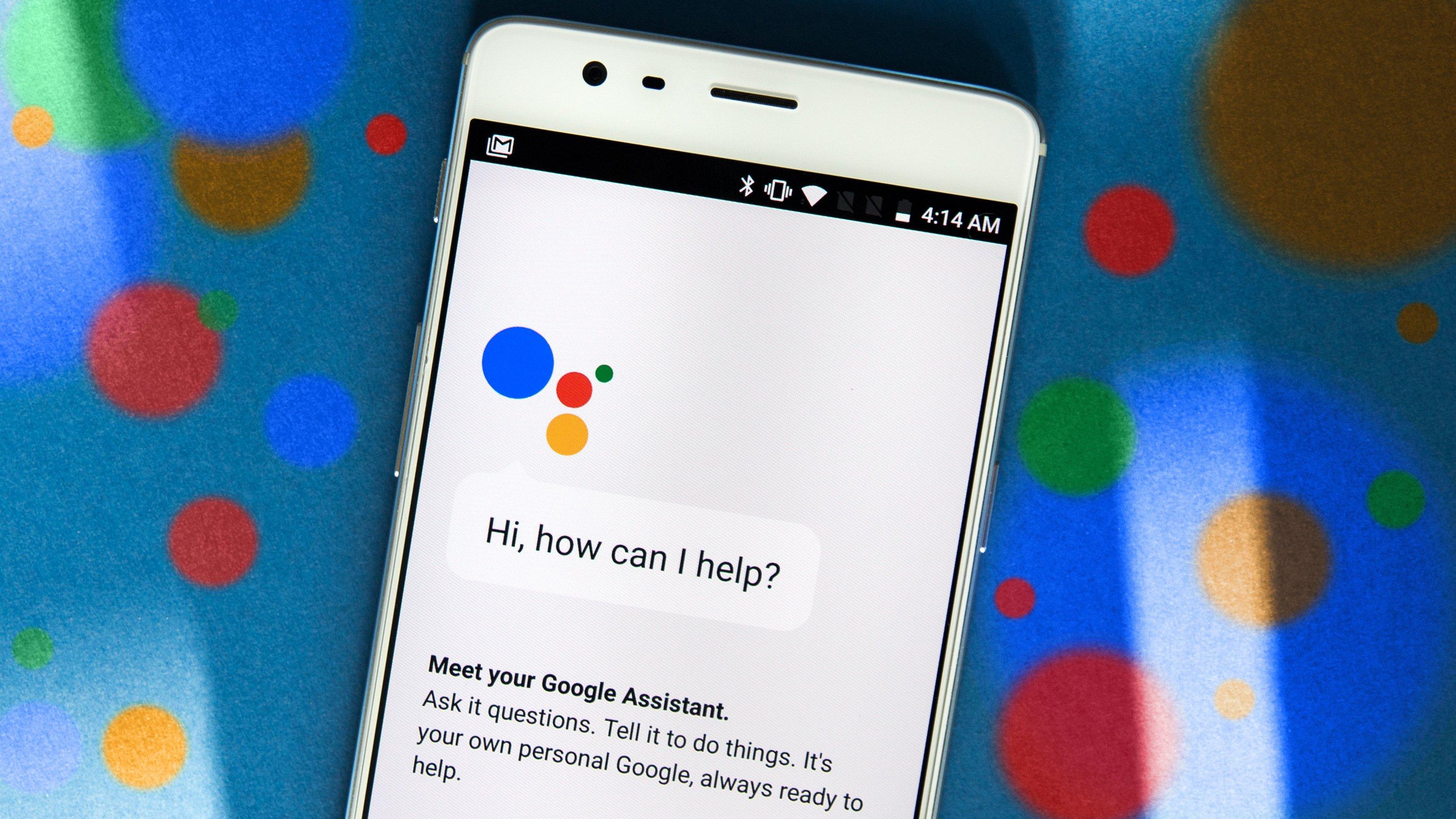 Google Assistant заговорил мужским голосом
