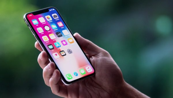 Apple выпустит дешевые версии iPhone X