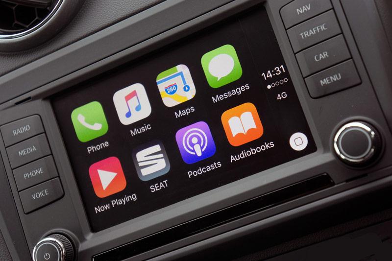 Пользователи iPhone выбирают автомобили с поддержкой CarPlay