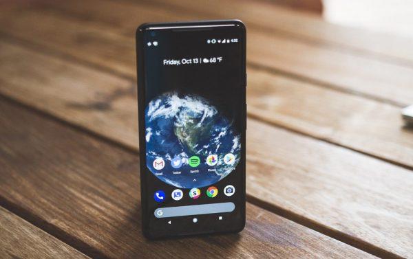 В приложении YouTube добавили режим масштабирования для безрамочных смартфонов