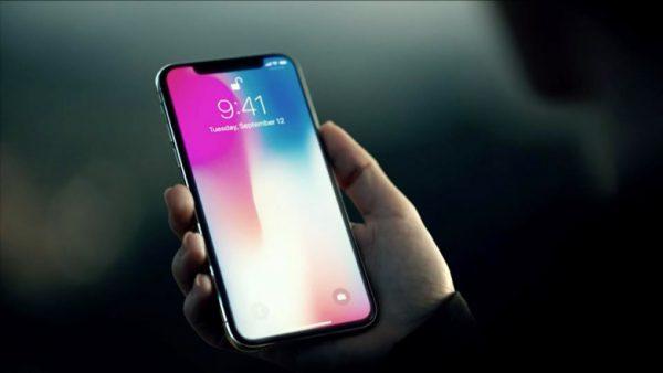 Apple заявляет о невероятных продажах iPhone X