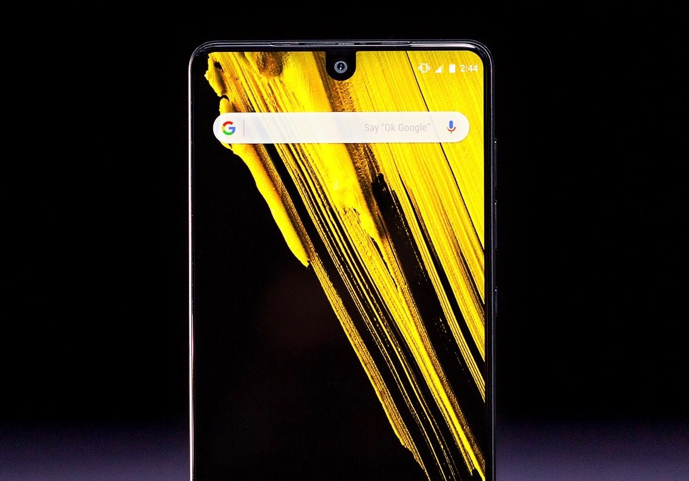 Essential Phone стал доступнее