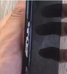 С корпуса iPhone X облезает краска
