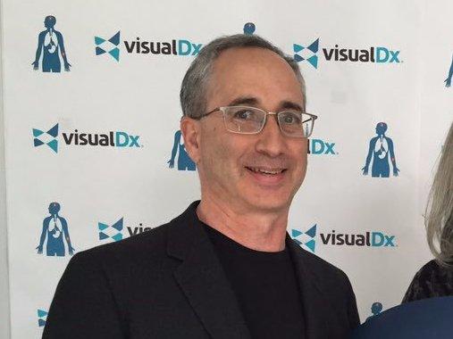 Тим Кук представил приложение для докторов стоимостью 100 долларов в год