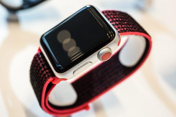 Apple Watch Series 3 могут проигрывать музыку 7 часов