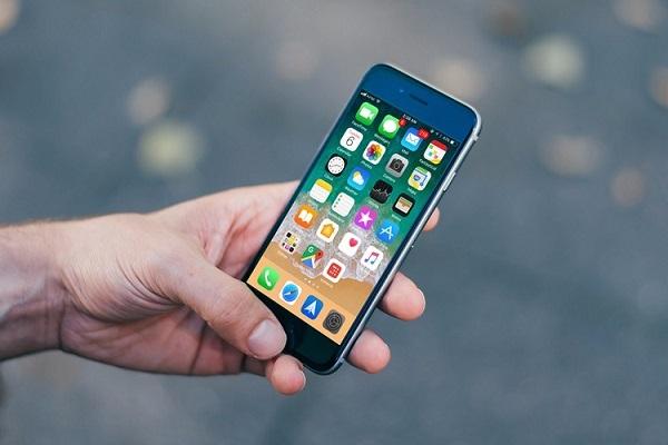 iOS 11.0.3 против iOS 11.2 beta 1: сравнение скорости работы [видео]