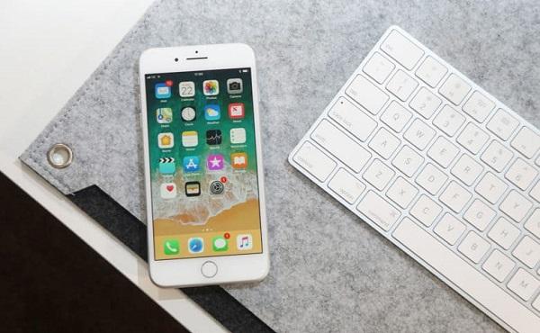 Производитель дисплеев iPhone 8 и 8 Plus понес убытки