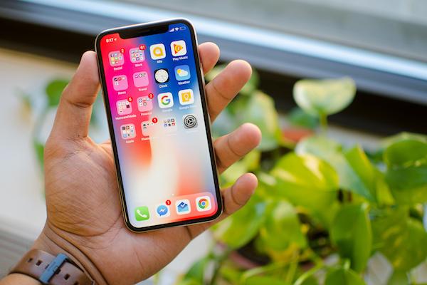 Продажи iPhone увеличились после падения в 2016 году