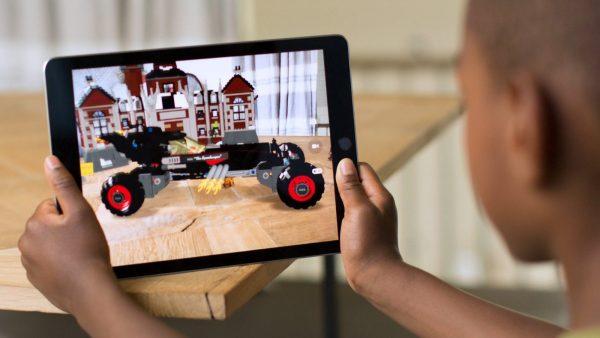 Тим Кук: объединение дополненной и виртуальной реальности может принести прибыль