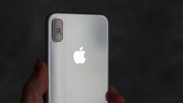 5 плюсов и 5 минусов iPhone X за первые 10 дней использования