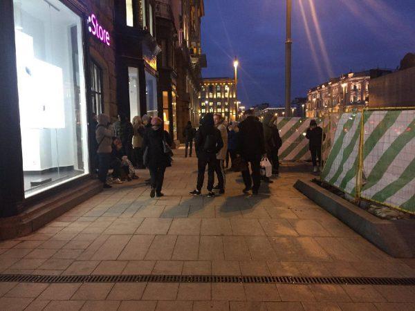 Москва ждет начала продаж iPhone X