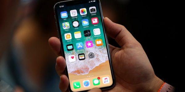 KGI: В 2018 году Apple выпустит три безрамочных iPhone