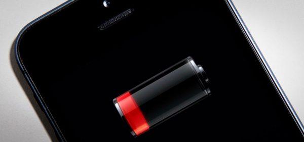 Apple специально замедляет работу старых iPhone — опрос