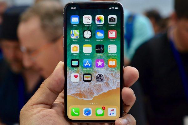 iOS потеряла долю на рынке из-за ожиданий iPhone X