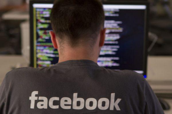 Facebook против постов, которые выпрашивают лайки