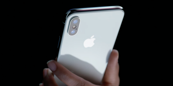 Почему слухи о слабых продажах iPhone X — неправда