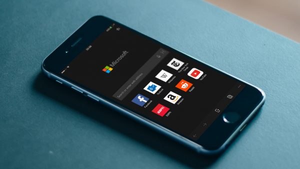 Microsoft впустила браузер Edge для iOS