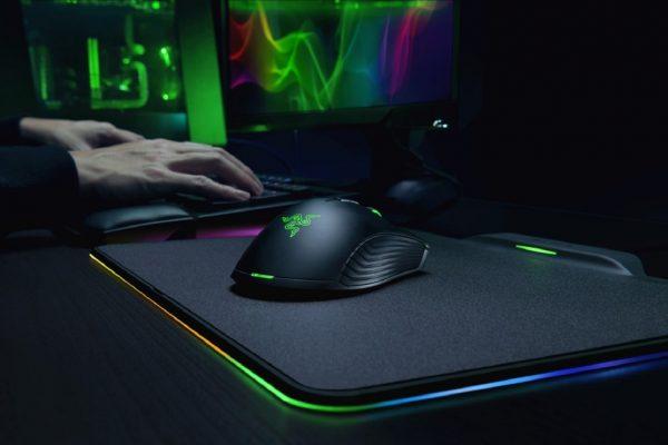 Razer представила беспроводную компьютерную мышь, которая заряжается через коврик