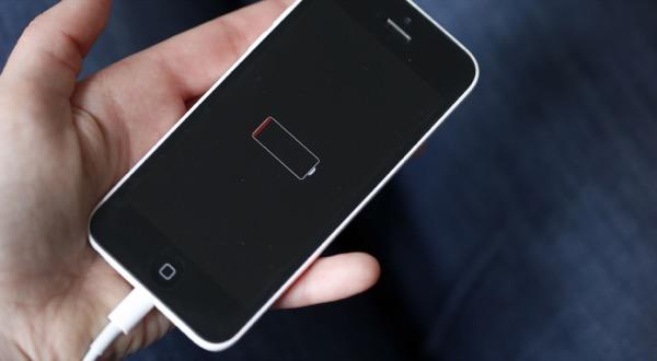 Итальянское правительство выяснит, зачем Apple замедляет iPhone