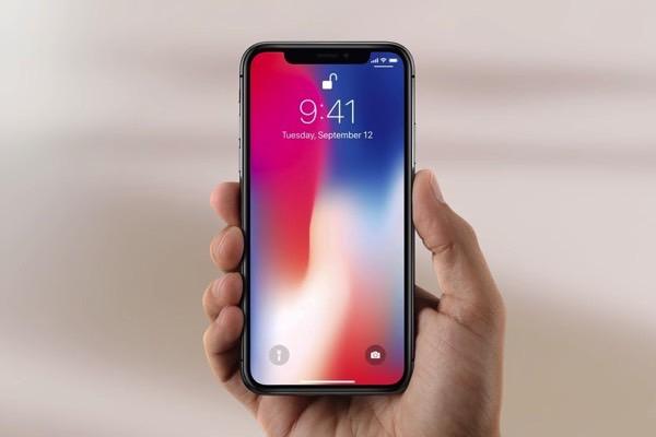 """""""Монобровь"""" iPhone X выдергивает волосы пользователя"""