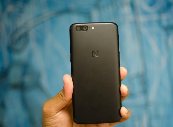 У покупателей OnePlus украли данные банковских карт