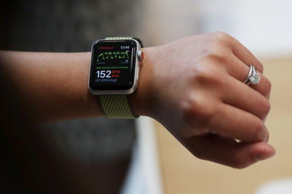 Россияне влюбились в Apple Watch