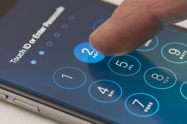 Бывший инженер Apple поможет разблокировать любой iPhone за 15 000 долларов