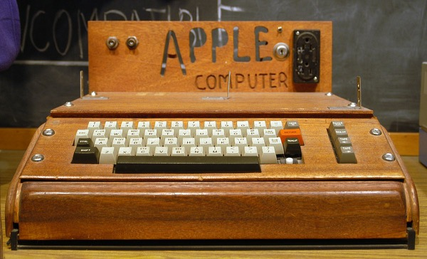 С днем рождения, Apple!