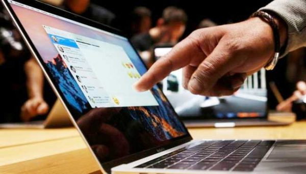 Энтузиасты создали сенсорный экран для MacBook за 1 доллар